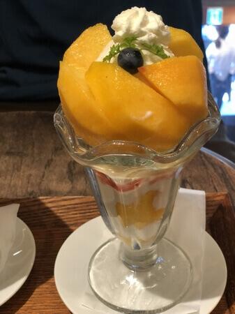 くらしき桃子黄金桃パフェ